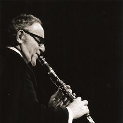 Download Benny Goodman 'Sometimes I'm Happy' Printable PDF 7-page score for Jazz / arranged Piano Solo SKU: 22611.