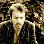 Download Damien Rice 'Cross-Eyed Bear' Printable PDF 5-page score for Folk / arranged Piano, Vocal & Guitar (Right-Hand Melody) SKU: 47363.
