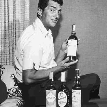 Easily Download Dean Martin Printable PDF piano music notes, guitar tabs for Lead Sheet / Fake Book. Transpose or transcribe this score in no time - Learn how to play song progression.