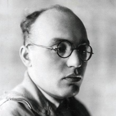 Easily Download Kurt Weill Printable PDF piano music notes, guitar tabs for Easy Piano. Transpose or transcribe this score in no time - Learn how to play song progression.