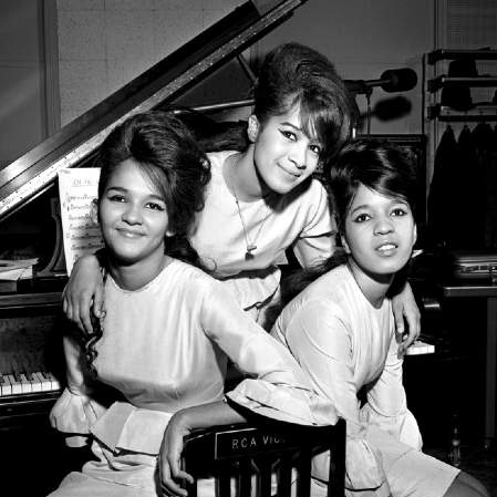 Easily Download The Ronettes Printable PDF piano music notes, guitar tabs for TBB Choir. Transpose or transcribe this score in no time - Learn how to play song progression.